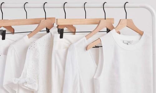 Πως να καθαρίσεις τις κιτρινίλες από τα ρούχα
